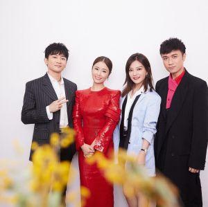 ▲林心如(左2)和趙薇(右2)合拍兩部瓊瑤劇,在大陸奠定知名度。(圖/林心如FB)