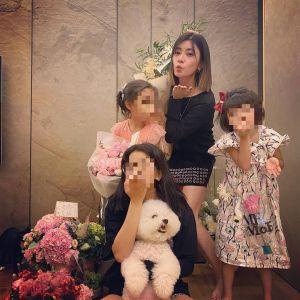 ▲賈靜雯跟3個女兒告假,和老公修杰楷約會。(圖/賈靜雯IG)