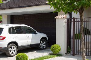 ▲房屋面寬將影響車輛停放及房屋縱深、格局等條件。(圖/21世紀不動產提供)