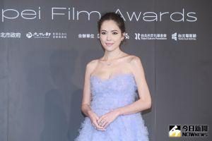 ▲許瑋甯出席第23屆台北電影獎,水藍色禮服相當優雅。(圖/記者葉政勳攝 , 2021.10.09)