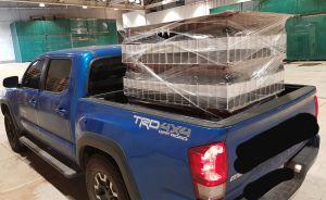 ▲男網友PO出自己開著貨車到好事多狂掃622瓶紅酒的照片。(圖/翻攝自《Costco好市多 商品經驗老實說》)