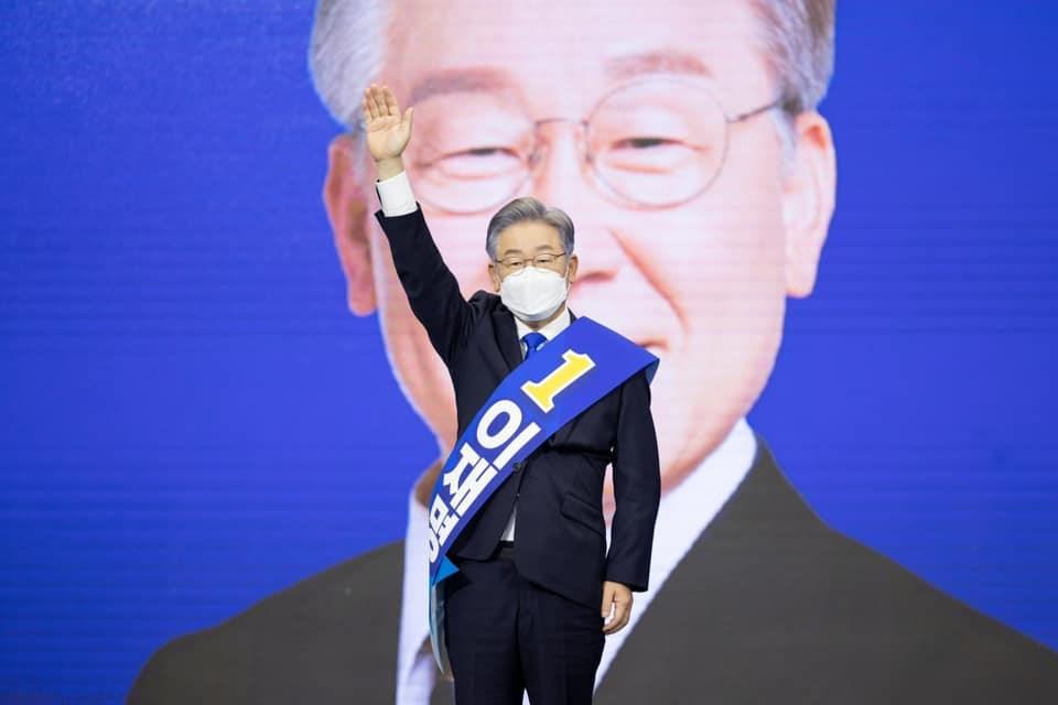 韓執政黨總統候選人陷爭議 文在寅指示調查