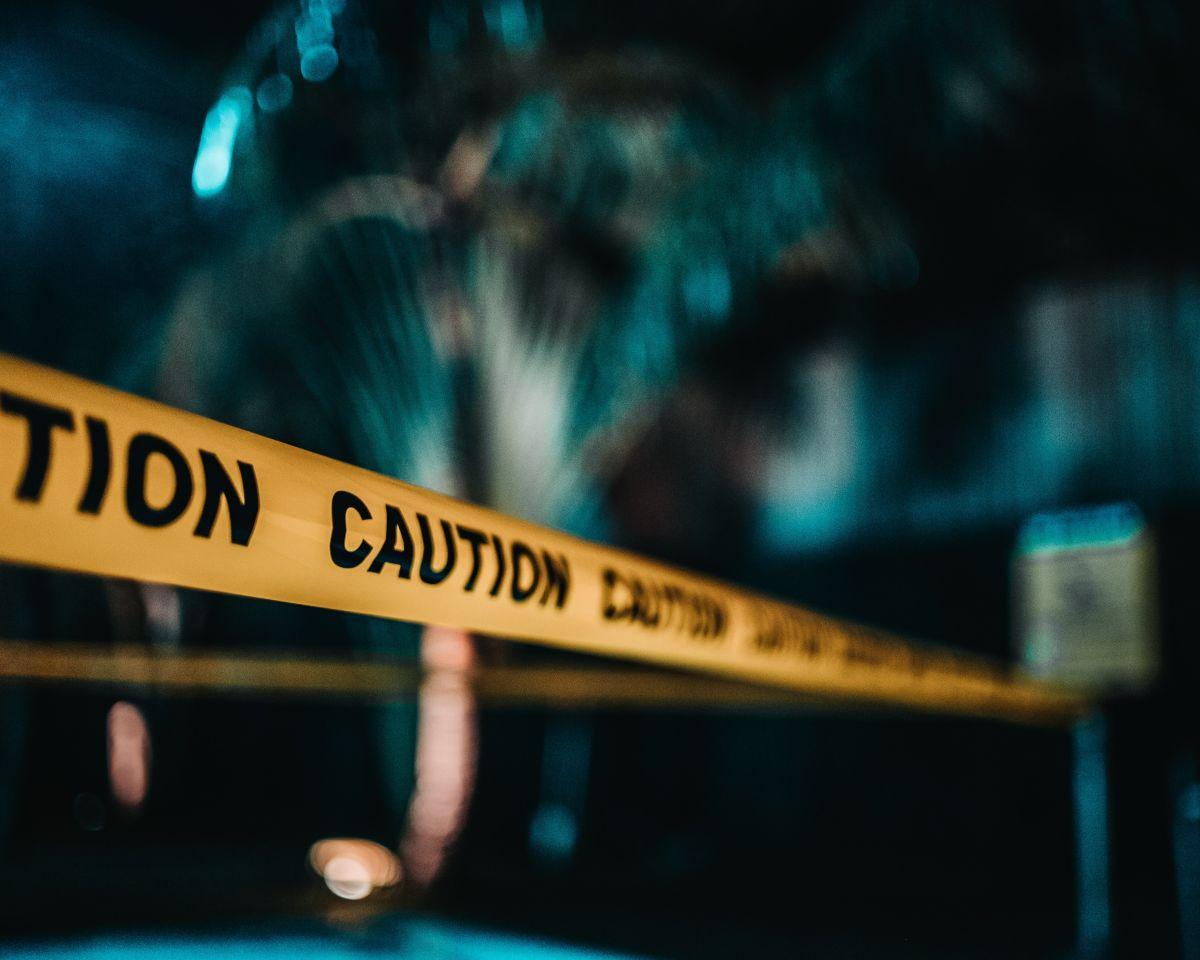 ▲警方表示,位於美國明尼蘇達州聖保羅市一家門庭若市的酒吧,今天凌晨爆發槍擊,造成一名婦女死亡及14人受傷。(圖/翻攝自unsplash)
