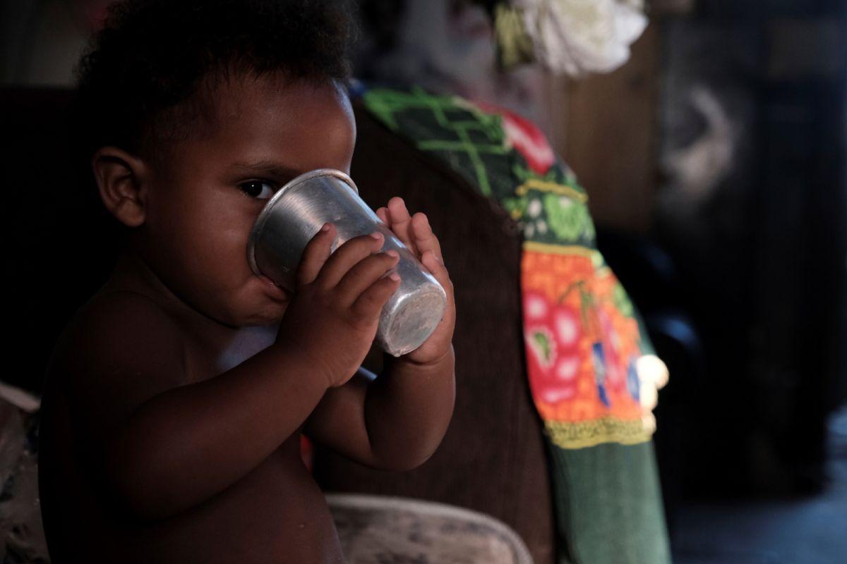 ▲10月12日是巴西黑人聖母阿帕雷西達日暨兒童節,但巴西一項調查指出,約1880萬名14歲以下兒童三餐不繼。(圖/美聯社/達志影像)