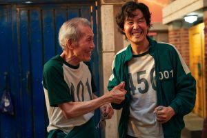 ▲劇中,吳永秀(左)反轉整個「魷魚遊戲」,演技讓人驚呆。(圖/Netflix)