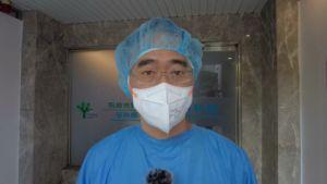 ▲阮綜合醫院值班醫師謝宗達醫師指出,目前來自火場的病患多是濃煙嗆傷。(圖/翻攝畫面)