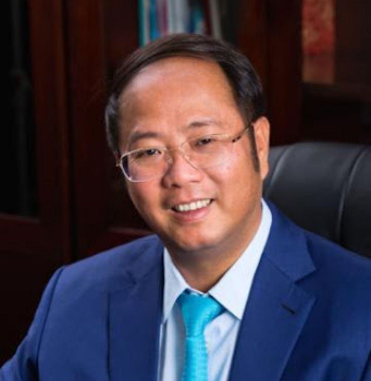 富商黃向墨入香港「選委會」 澳媒:北京給獎勵