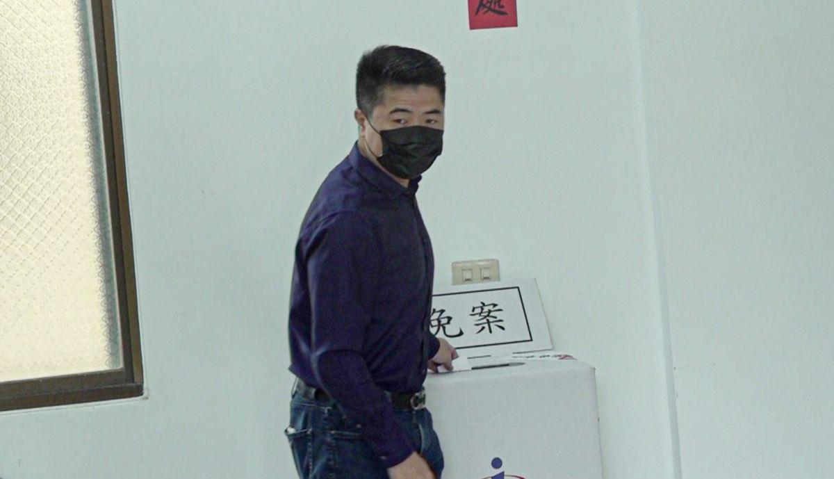 顏寬恒上午完成投票 平常心睡得好、籲選民行使公民權